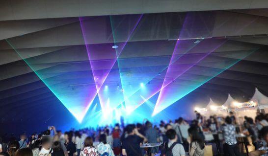 アメックス花火大会2019 HANAVIVAのホール内の様子