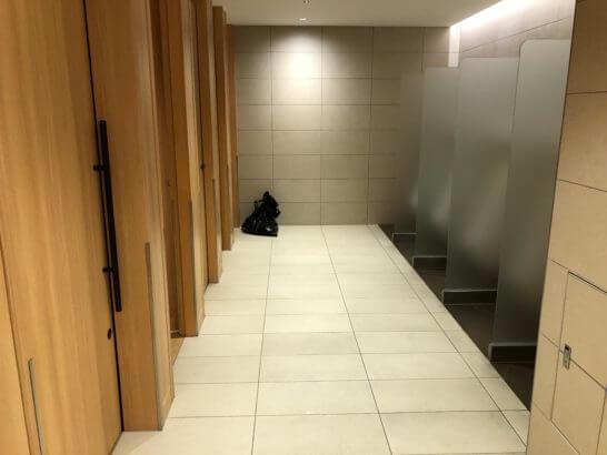 伊丹空港のサクララウンジのトイレ