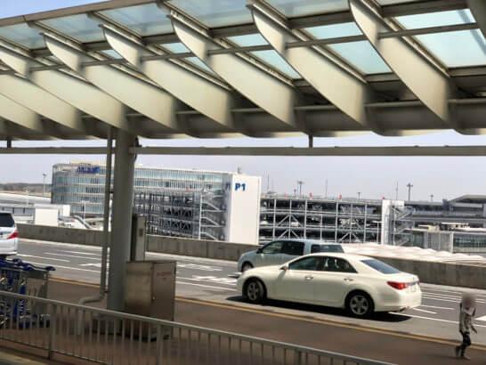 成田空港のバス降り場