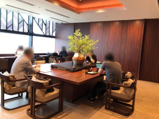 伊丹空港のダイヤモンドプレミアラウンジの奥の部屋(サクララウンジと隣接)