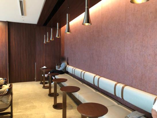 伊丹空港ダイヤモンドプレミアラウンジの室内 (7)