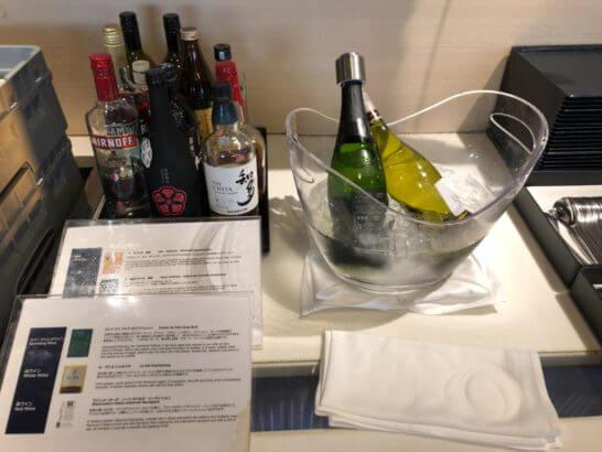 ANAラウンジ(羽田空港国際線)のワイン・洋酒コーナー