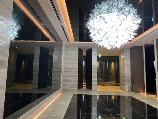 コンラッド大阪の1Fエレベーターホール