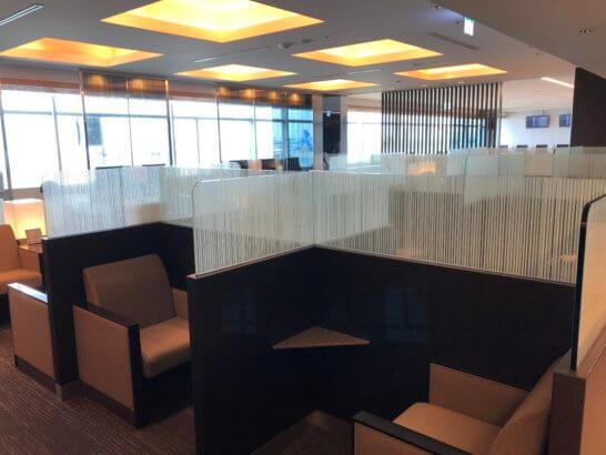 ANAラウンジ 羽田空港国内線(本館南)の半個室風の席