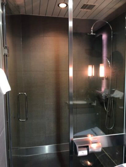 ANAラウンジ(羽田空港国際線)のシャワー室