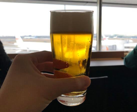 羽田空港のダイヤモンドプレミアラウンジのビール