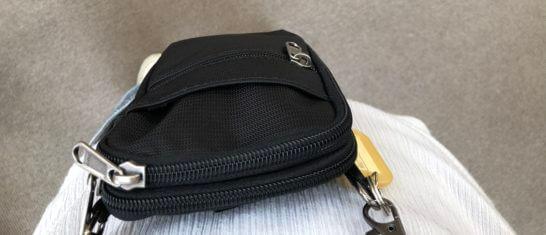 USJユニバーサルVIPツアーのトランシーバーのバッグ