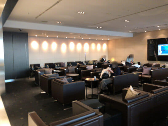 ANAラウンジ(羽田空港国際線)のソファー席