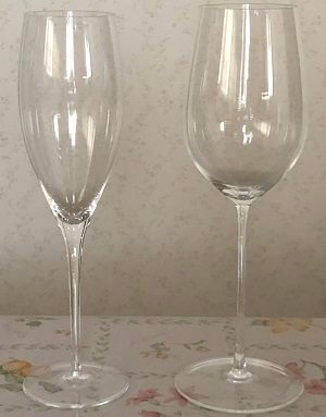 リーデルのシャンパングラスと純米大吟醸グラス