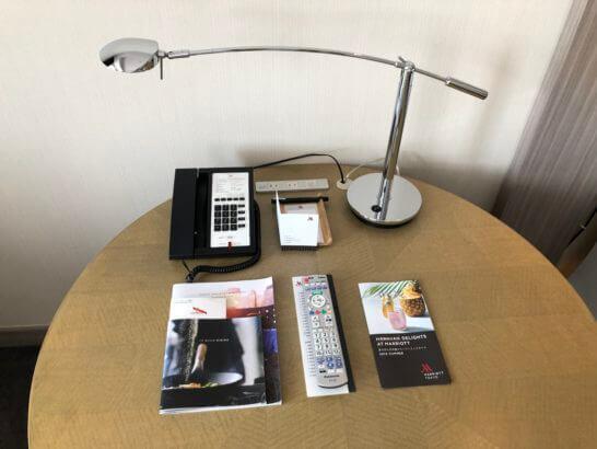 東京マリオットホテルの丸いテーブル
