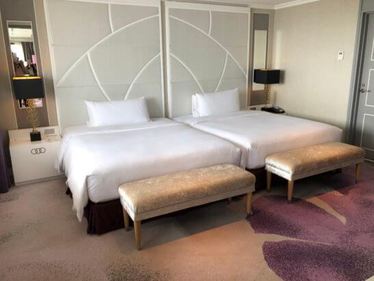 東京マリオットホテルのプレジデンシャルスイートのツインベッド