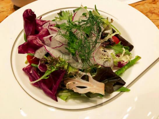 ザ・ペニンシュラ東京の朝食のスーパーフードサラダ