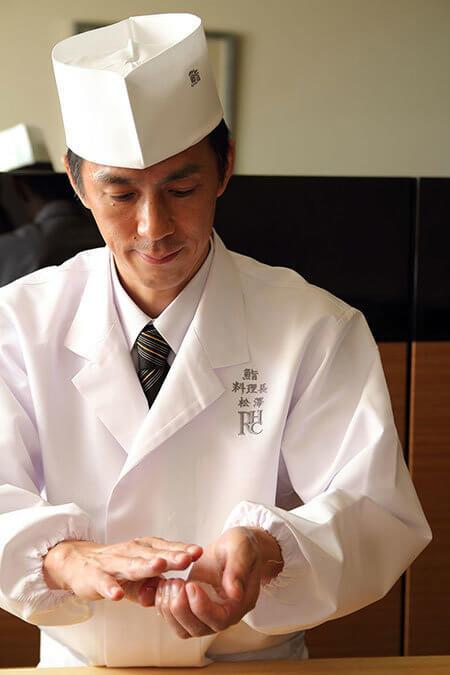 六本木ヒルズクラブの「ザ 鮨バー」料理長 松澤等