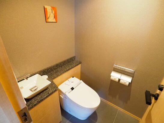 ザ・キャピトルホテル 東急のエグゼクティブスイートのトイレ