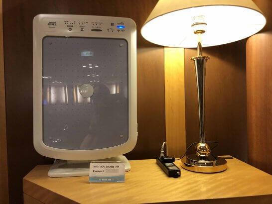 関空のKALラウンジの空気清浄機・Wi-Fi・パスワード・電源