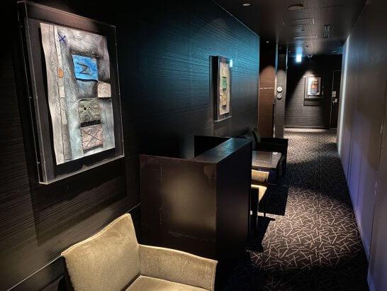 ANAインターコンチネンタルホテル東京のMIXXバーのトイレに向かう通路