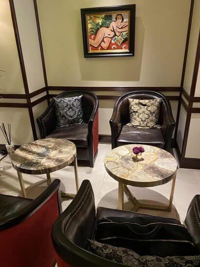 VILLA FOCH GINZAのソファー席