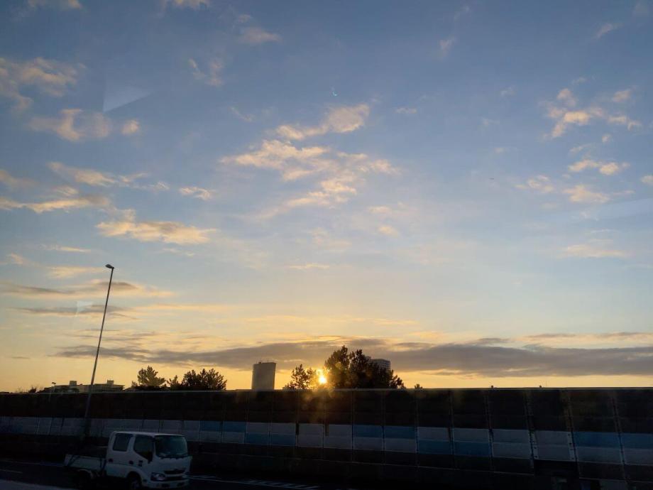 成田空港へ向かう車中の景色