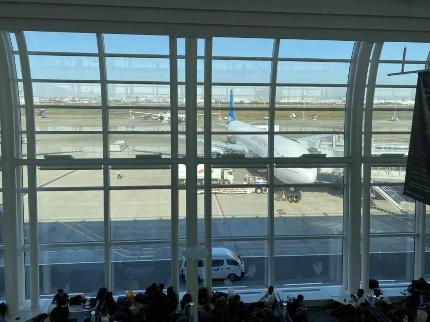 羽田空港に駐機するガルーダ・インドネシア航空の飛行機