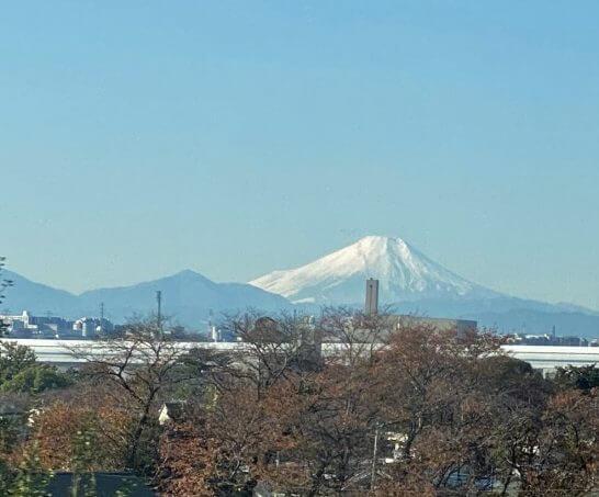 東北新幹線の車中から見えた富士山
