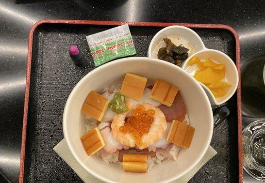 ANAスイートラウンジ(羽田T3)の海鮮丼
