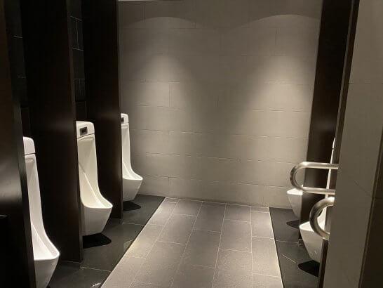 羽田空港ANAスイートラウンジのトイレ (1)