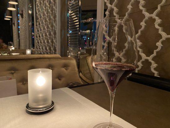 バローロの赤ワイン