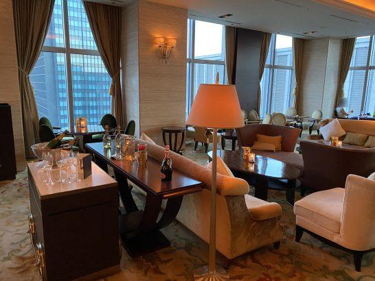 シャングリ・ラ ホテル東京のザ・ロビーラウンジの中央