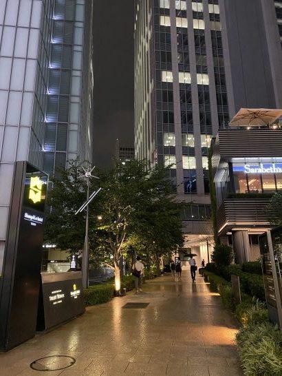 シャングリ・ラホテル東京へ向かう道