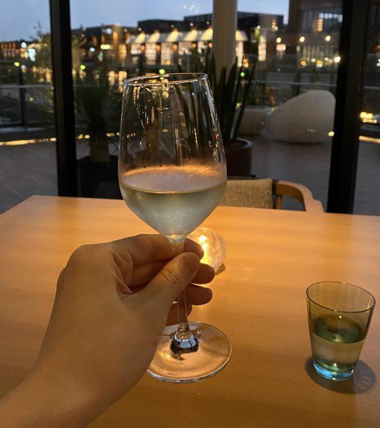 インターコンチネンタル横浜Pier8のLarboardの白ワイン