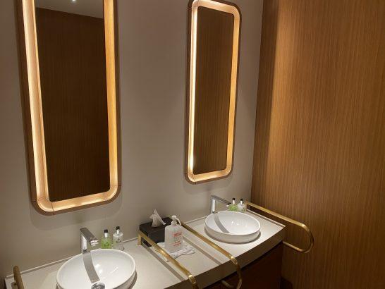 インターコンチネンタル横浜Pier8のトイレの洗面台