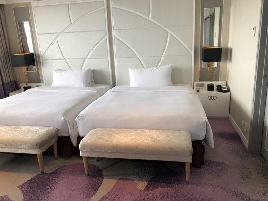 東京マリオットホテルのプレジデンシャルスイートのベッド (2)