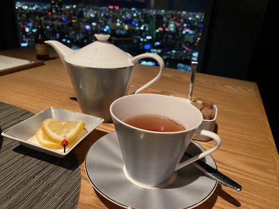 コンラッド大阪のシーグリルの紅茶