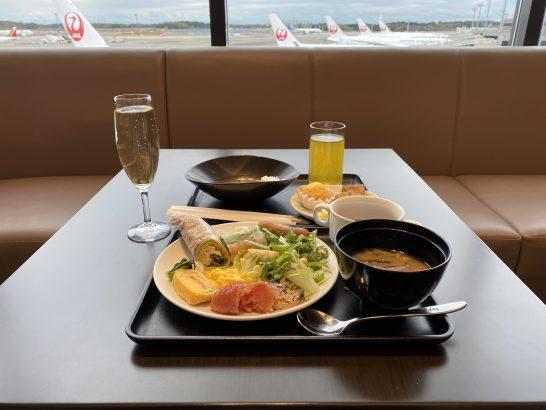 サクララウンジ(成田国際線)の食事