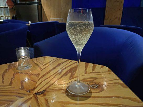 銀座ミュージックバーのシャンパン