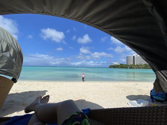 ウェスティンホテルグアムのプライベートビーチのカバナ