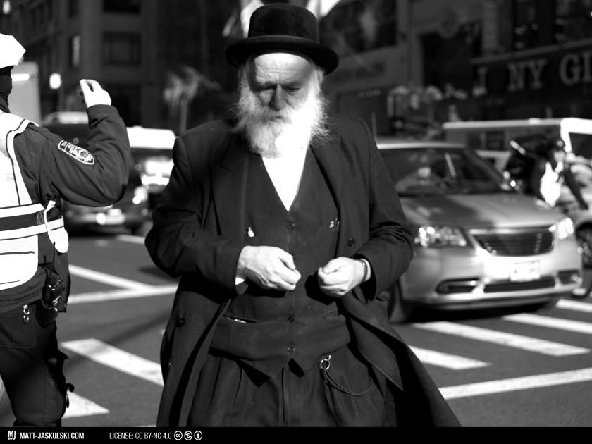 blackandwhite bnw city d800 jewish man newyork newyorkcity Nikon nikonphotography nyc religious street streetphoto urban