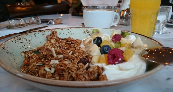 Muesli and fruit juice