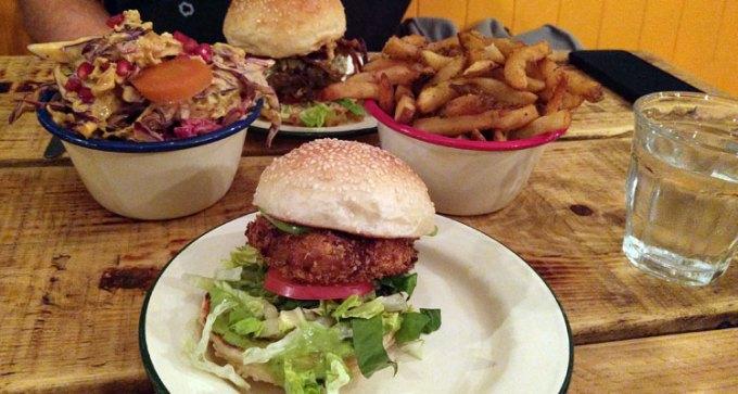 Asado: mozzarella burger