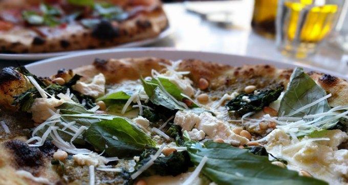 Bosco Pizzeria: pizzetta queen green and Emilia Romagna pizza