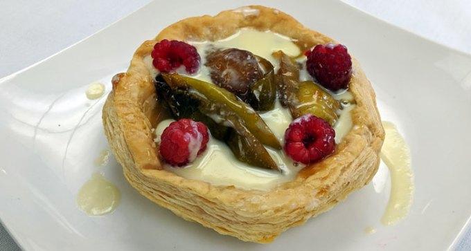 Apple tart tatin, puff pastry, creme Anglais
