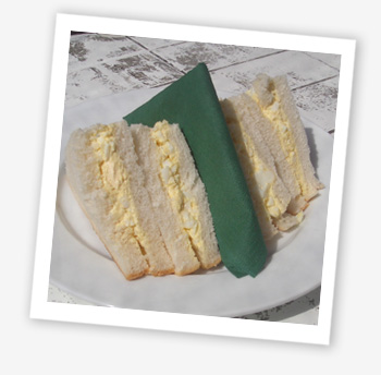 Egg mayonnaise sarnies