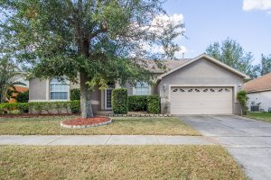 Front of 2706 Pine Shadow Clermont FL