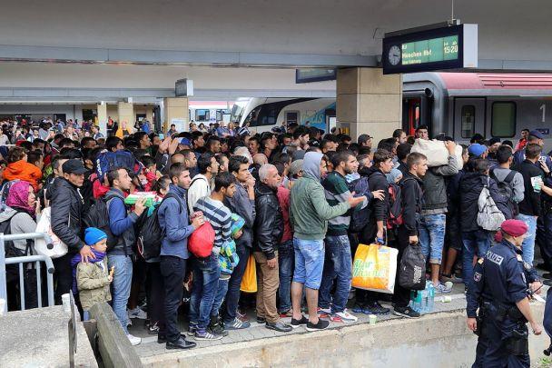 Migrants West Vienna railway station