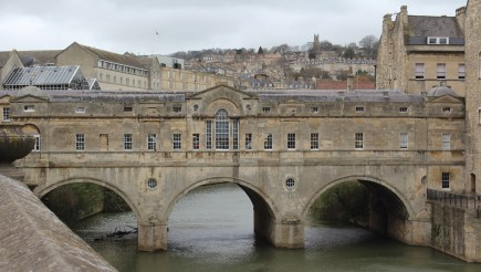 Pulteney Bridge, fashioned after Ponte Vecchio bridge in Florence.