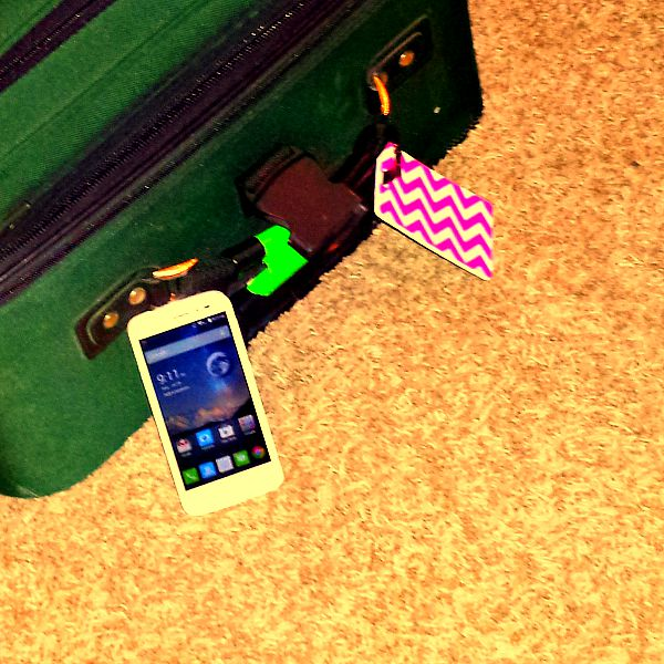 #Tips4Trips Phone and suitcase