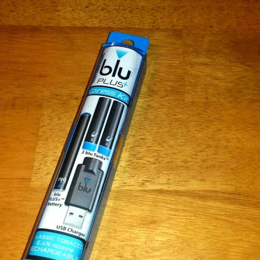 blu PLUS+ e-Cigs Xpress Kit Close up