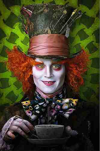Picture of Johnny Depp as the Mad Hatter from Alice in Wonderland.