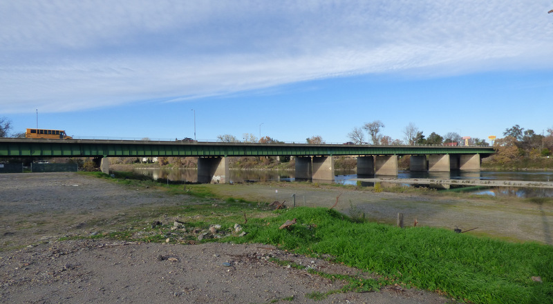 I-5 bridge north of Red Bluff