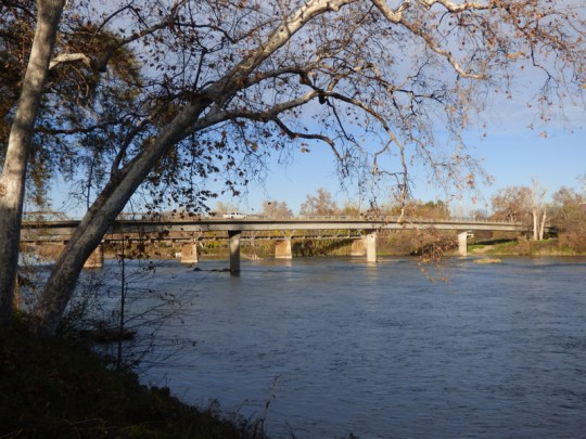 I-5 Bridge south of Red Bluff